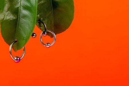Piercing na genitália – Será que dá pra se proteger na hora do sexo?